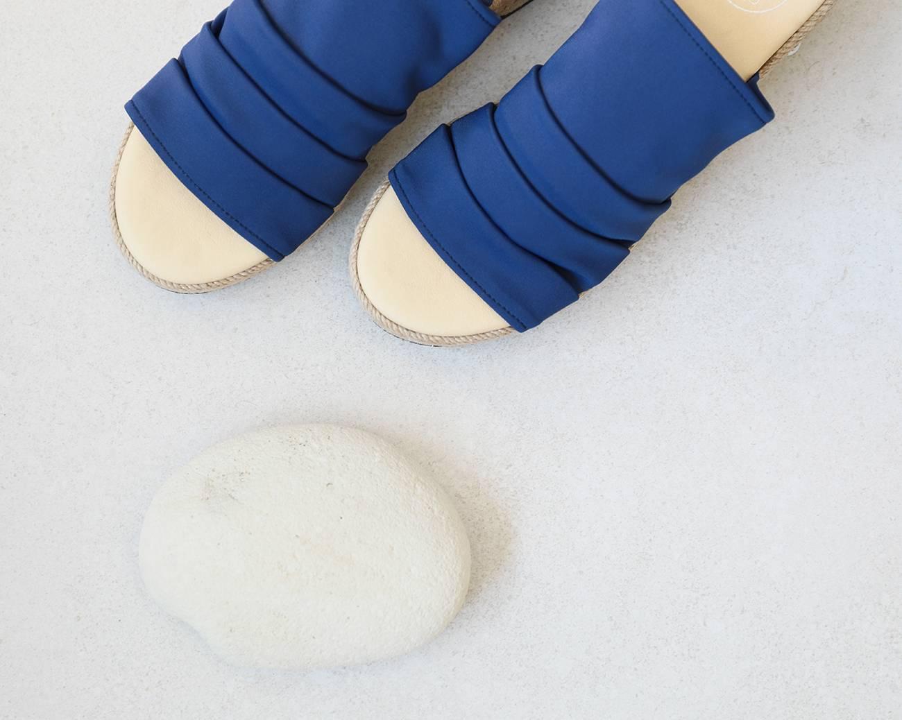 Sigue conociendo el origen de las sandalias de inspiración clásica - Portada